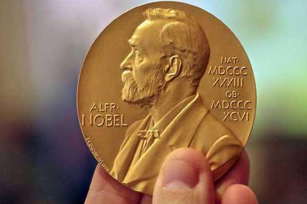 نوبل الآداب ستمنح عندما تستعيد الأكاديمية السويدية الثقة
