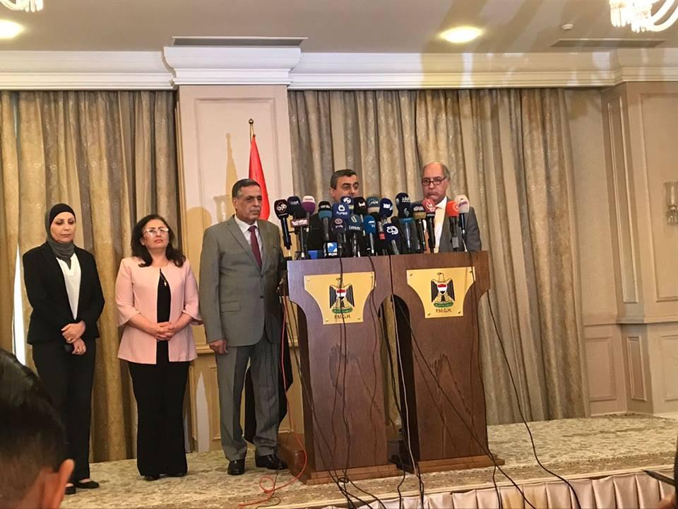 وزراء المياه والكهرباء والاشغال والبلديات خلال مؤتمر صحافي في بغداد