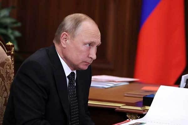 بوتين خلال إجابته على إسئلة القناة النمساوية