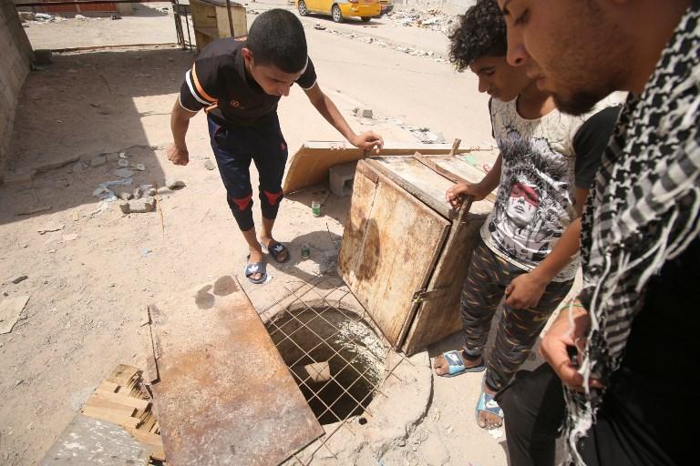 لم تكن فتحة الصرف الصحي هذه مغطاة فقضت على حياة 3 عراقيين