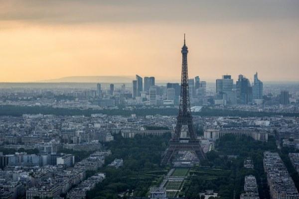 انتخاب ماكرون وبريكست من الأسباب الرئيسية لنجاح فرنسا