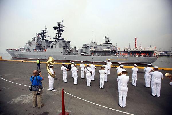 عناصر من البحرية الروسية