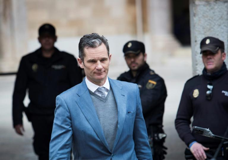 ة إيناكي أوردانغارين يغادر قاعة المحكمة في بالما دي مايوركا في جزيرة باليوركا الإسبانية