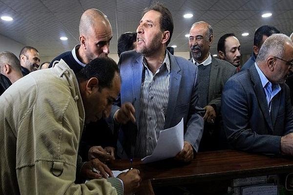 معاناة موظفو السلطة في قطاع غزة