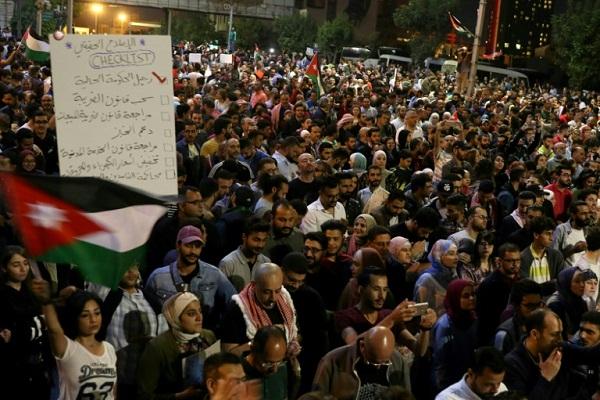 الاحتجاجات الاخيرة في الأردن بسبب الغلاء وزيادة الضرائب