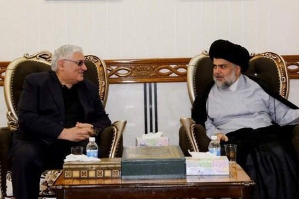 الصدر مع زعيم الحزب الشيوعي العراقي رائد فهمي