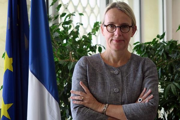 السفيرة الفرنسية في تل أبيب هيلين لاغال