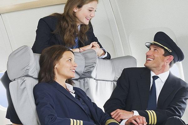 أفراد طواقم الطيران أكثر عرضة للسرطان من غيرهم