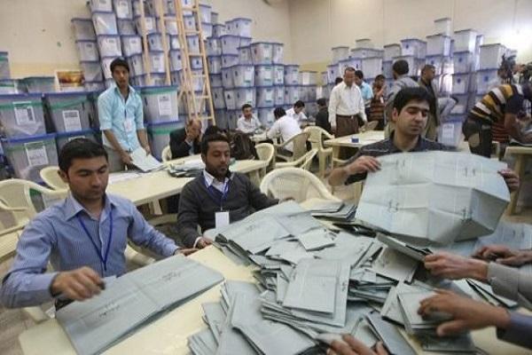 العد اليدوي لاصوات الناخبين في كركوك