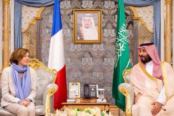 الأمير محمد بن سلمان مستقبلا فلورانس بارلي