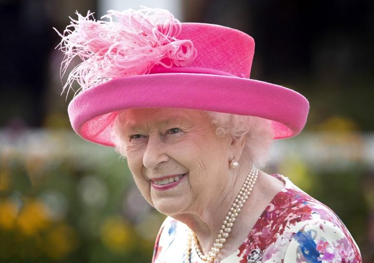 ملكة بريطانيا تستقبل ترمب الجمعة ليكون الرئيس الأميركي الثالث عشرة الذي تلتقيه