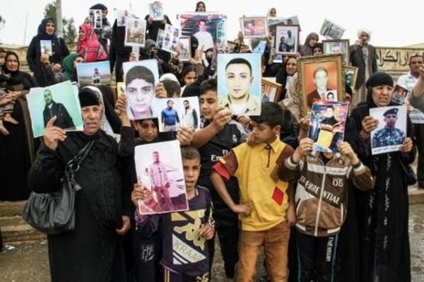 الموصل تحتفل وسط الدمار بمرور عام على  تحررها من داعش