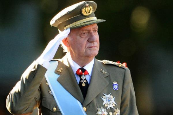 ملك اسبانيا السابق خوان كارلوس