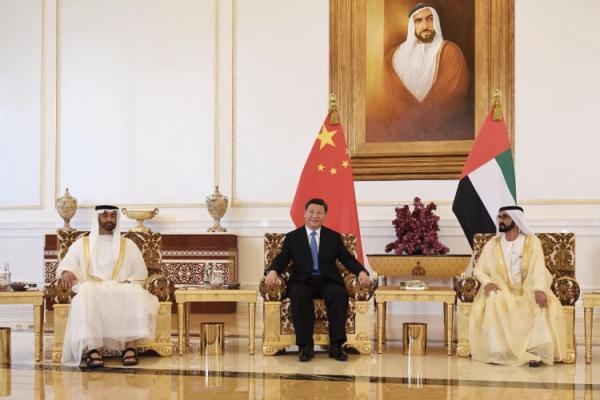 محمد بن راشد ومحمد بن زايد يستقبلان الرئيس الصيني