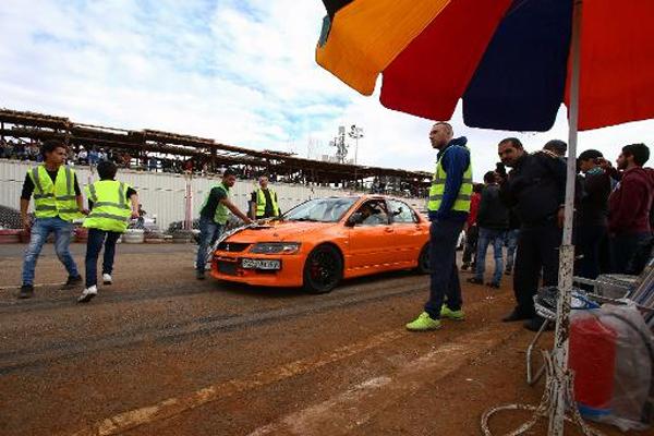 سيارات السباق تهدر مجددا حول دمشق