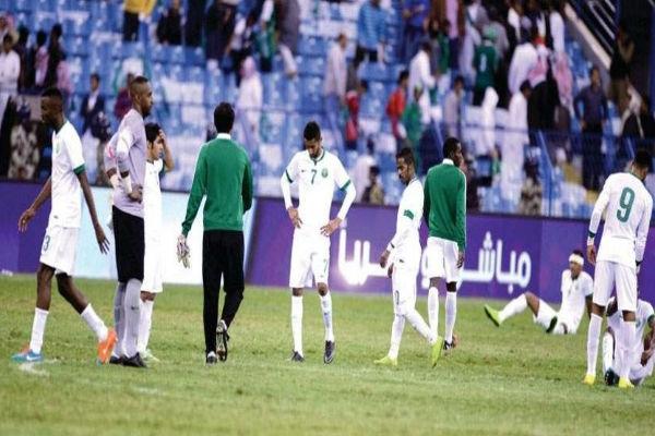 حسرة لاعبي الأخضر السعودي بعد خسارة نهائي خليجي 22