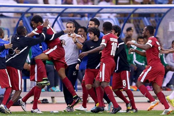 فرحة لاعبي قطر بالتتويج باللقب الخليجي للمرة الثالثة في تاريخ العنابي