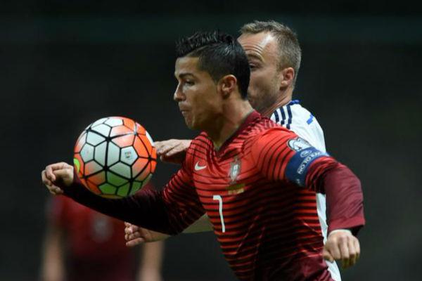 كريستيانو رونالدو في مباراة البرتغال والدنمارك