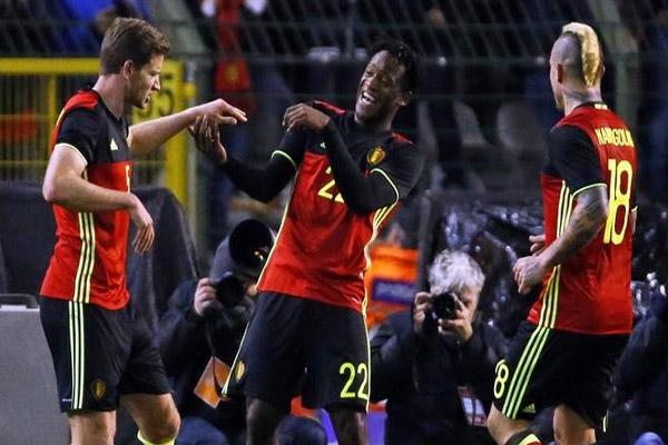 بلجيكا تسقط إيطاليا بثلاثية
