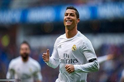 ريال مدريد يستعد لتمديد عقد رونالدو براتب خيالي