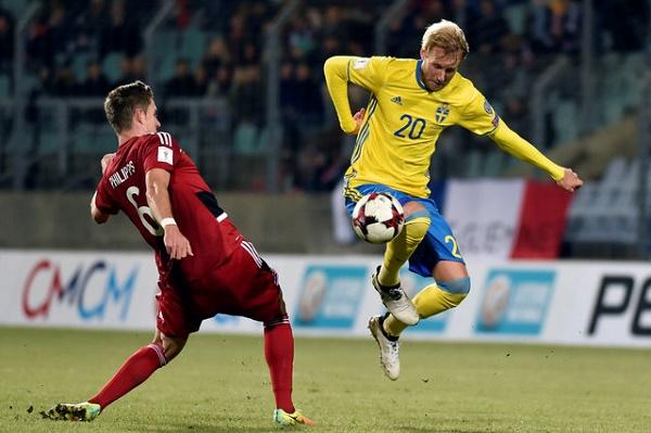 السويد تهزم بلغاريا بثلاثية
