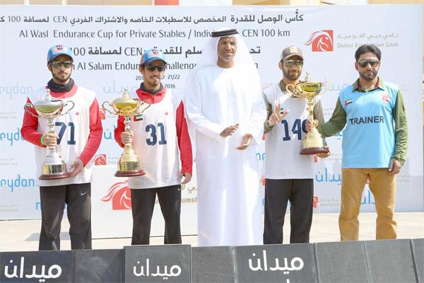 توج الفارس منذر أحمد البلوشي بطلاً لسباق تحدي سيح السلم للقدرة في دبي والبالغ مسافته 100 كيلومتراً