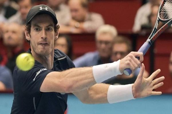 تأهل البريطاني اندري موراي المصنف اول بصعوبة الى الدور الثاني من دورة فيينا الدولية لكرة المضرب البالغة قيمة جوائزها 310ر467ر2 مليون يورو.