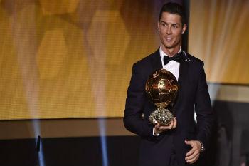 كريستيانو رونالدو المرشح الأبرز للفوز بجائزة الكرة الذهبية