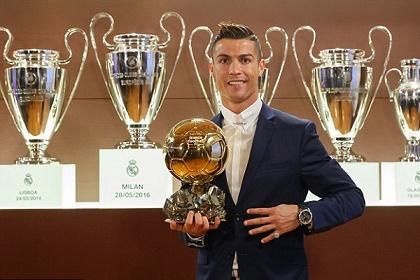 لاعبو الدوري الإسباني الأكثر تتويجاً بـ