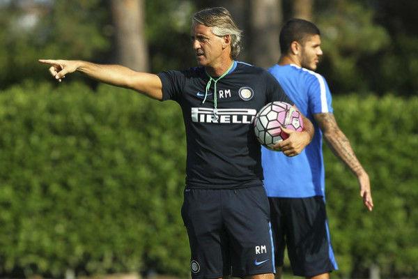 في حال استمر مانشيني مدرباً لإنتر ميلان فإن إيكاردي سيغادر الفريق حتماً