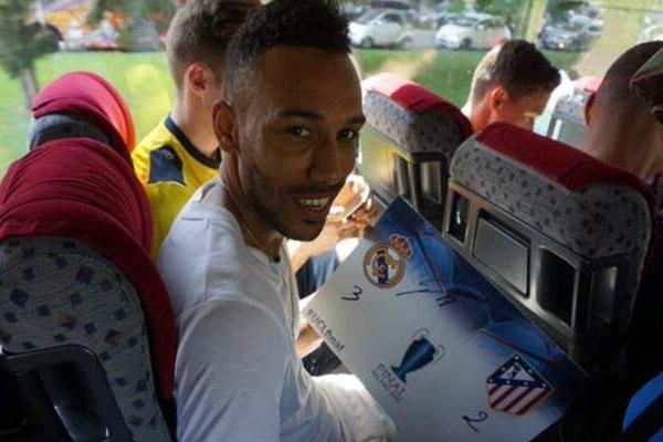 أوباميانغ يتوقع فوز ريال مدريد بلقب دوري الأبطال