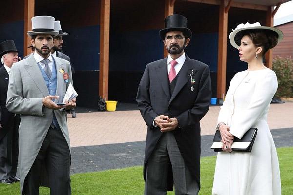 """محمد بن راشد يشهد سباق """"الديربي"""" الإنكليزي للخيول"""
