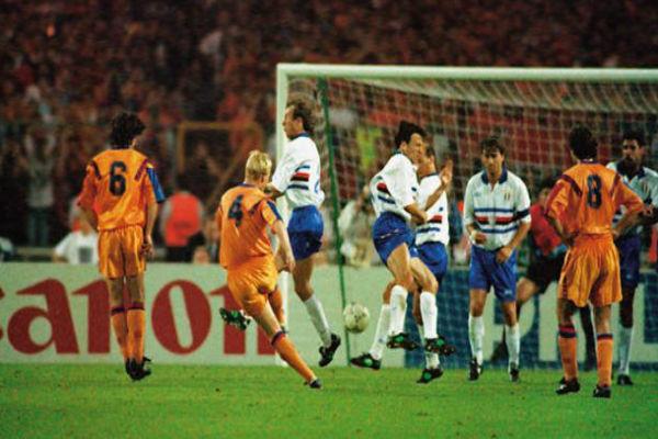 برشلونة يواجه سمبدوريا في إعادة لنهائي دوري الأبطال عام 1992