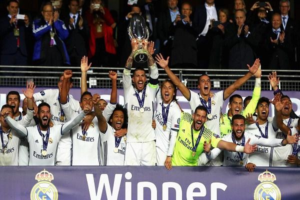 ريال مدريد يقلب الطاولة على إشبيلية ويتوج بالسوبر الأوروبي