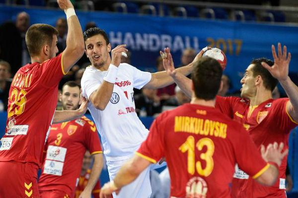 من مباراة تونس ومقدونيا