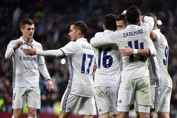 ريال مدريد يستغل تعثر برشلونة واشبيلية ويبتعد في الصدارة