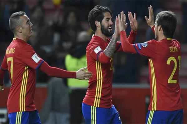 تتصدر اسبانيا بطلة العالم 2010 ترتيب المجموعة السابعة برصيد 22 نقطة