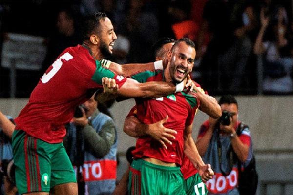 المنتخب المغربي يحتل صدارة مجموعته الثالثة، بتسعة نقاط، على بعد جولة واحدة من انتهاء الإقصائيات المؤهلة لنهائيات روسيا
