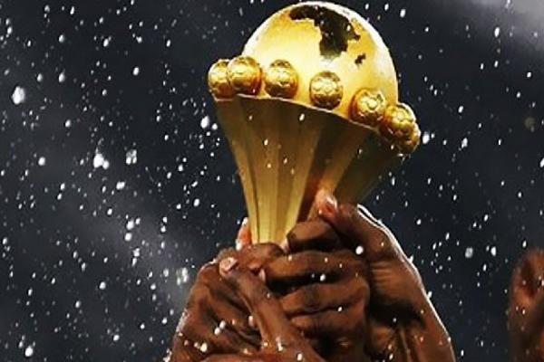 رئيس الاتحاد الأفريقي يؤكد إقامة نسخة 2019 من كأس الأمم في الكاميرون