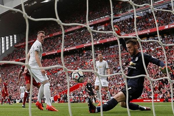 يونايتد ينتزع نقطة من ليفربول
