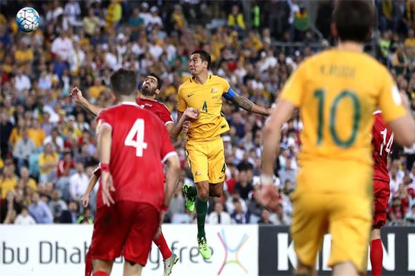 ودع منتخب سوريا لكرة القدم الملحق الآسيوي في تصفيات مونديال 2018 بعد خسارته امام مضيفه الاسترالي