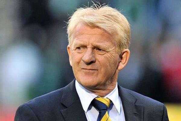 تقدم غوردون ستراكان باستقالته من تدريب منتخب اسكتلندا لكرة القدم، بعد فشله في قيادته الى نهائيات كأس العالم 2018 في روسيا