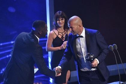 جوائز فيفا: الفرنسي زيدان أفضل مدرب لعام 2017