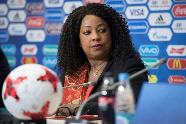 سامورا تأمل ألا تؤثر قضية حقوق النقل على استضافة قطر لمونديال 2022