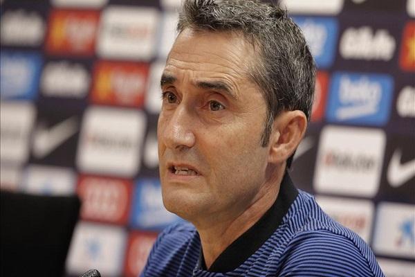 مدرب برشلونة يتجنب الحديث عن كاتالونيا ويركز