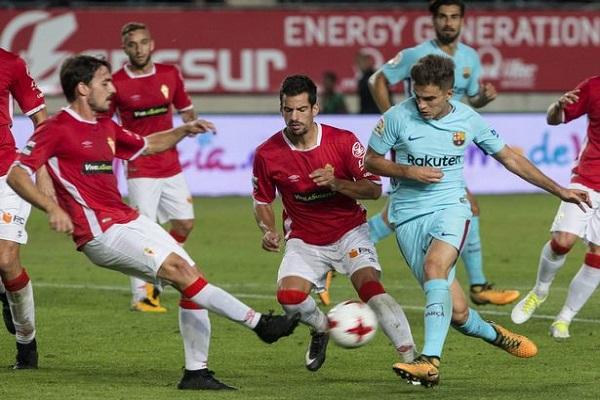 برشلونة يتخطى ريال مورسيا