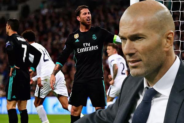 اكد الفرنسي زين الدين زيدان مدرب نادي ريال مدريد الاسباني انه غير قلق على فريقه الذي مني بخسارته الثانية تواليا
