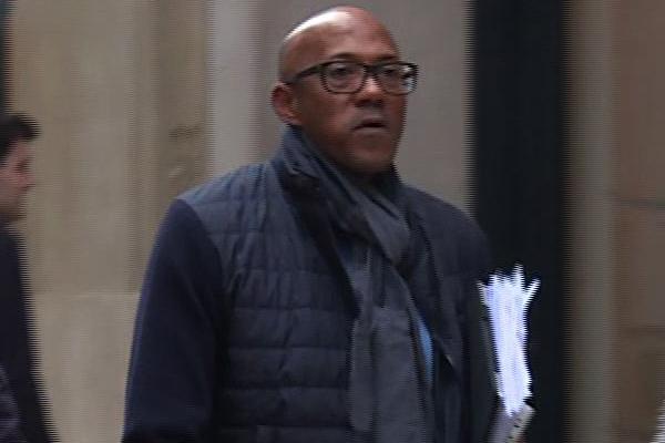 وجه القضاء الفرنسي تهمة السكوت والتستر عن الفساد وتبييض الاموال الى العداء الناميبي السابق فرانكي فريديريكس