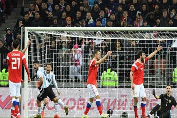 أغويرو يمنح الأرجنتين فوزاً ودياً على روسيا