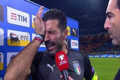 بوفون يودع بالدموع مسيرة زاخرة مع المنتخب الايطالي